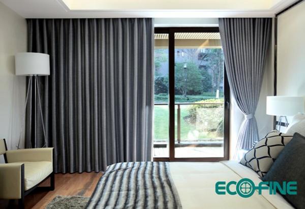 儿童房间则通常以卡通图案的窗帘为主,搭配上四周的可爱,童趣的家居