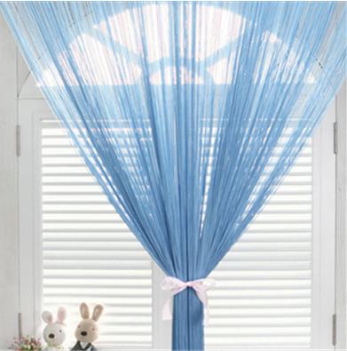 淡蓝色窗帘效果图