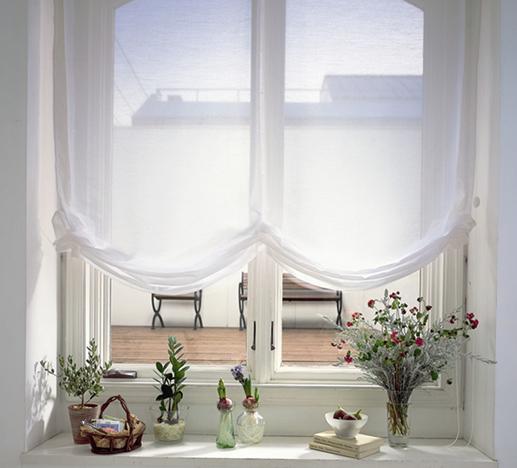 白色窗纱给婚房浪制造浪漫