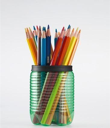 矿泉水瓶制作可爱笔筒