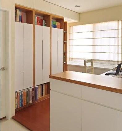 窗臺小型書桌書柜轉角設計圖片