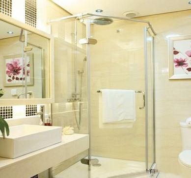 玻璃花色隔断在做卫生间淋浴玻璃隔断.   装饰   明晰艰涩,