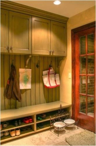 鞋柜挂衣板一体装修效果图